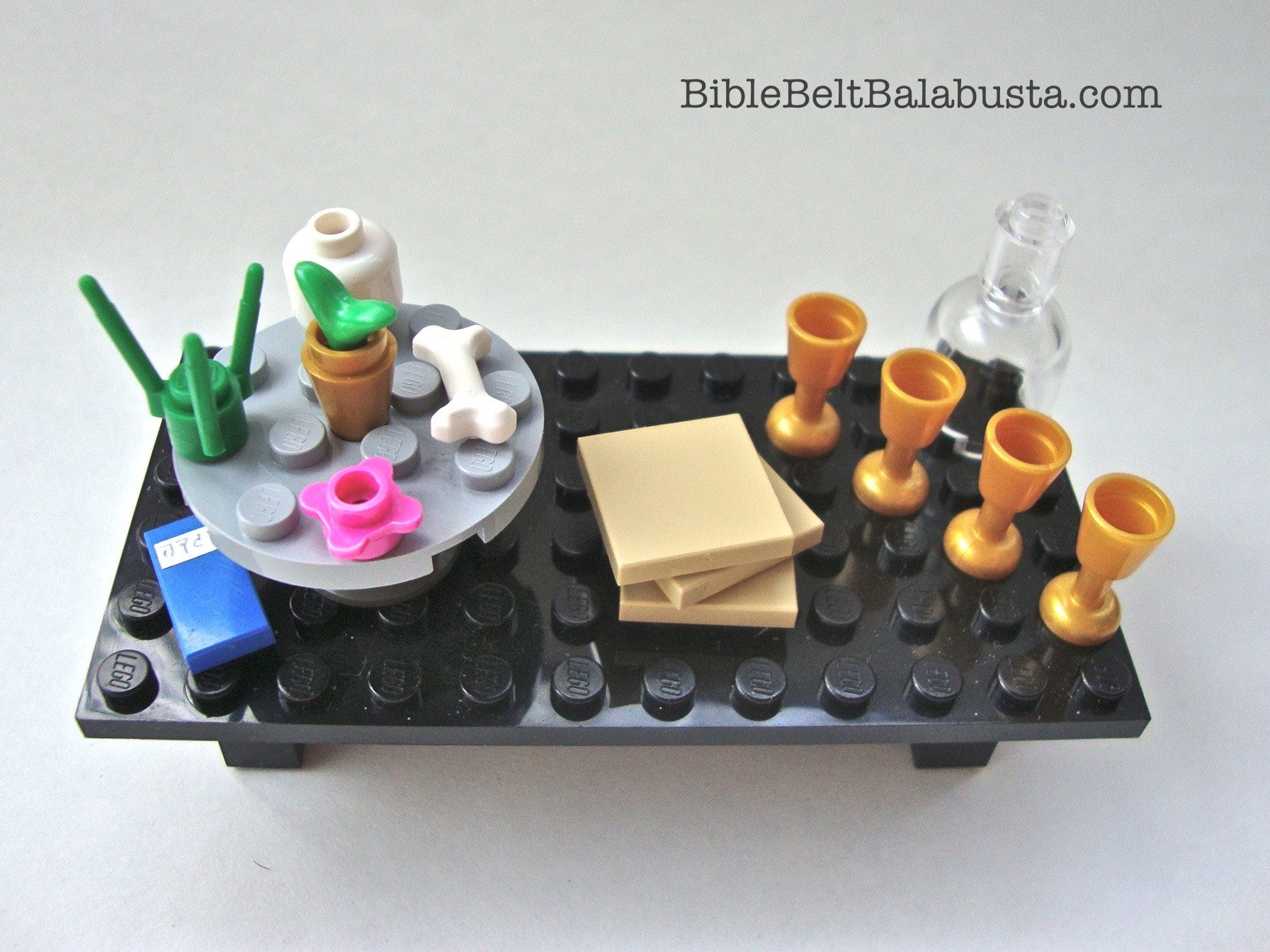 Lego Seder Table Minifig Passover Bible Belt Balabusta