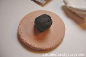 """mohn"" (poppy) filling: aka blob of dried black clay"