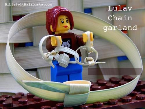 lulav chain, LEGO minifig scale