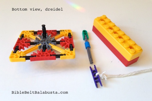 Knex dreidel launcher bottom view